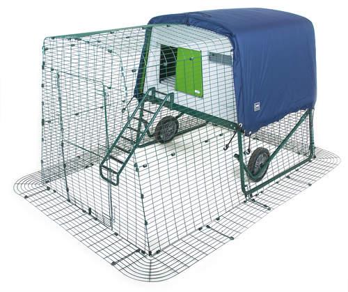 Vintertrekk som beskytter hønsehuset Eglu Cube. Ekstra isolering, slik at hønsehuset holder på varmen om vinteren.